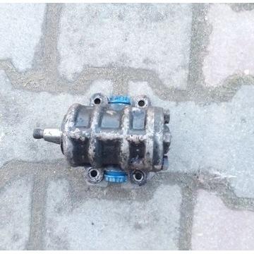 Pompa hydrauliczna c330 podnosnikowa, sprawna, wyd