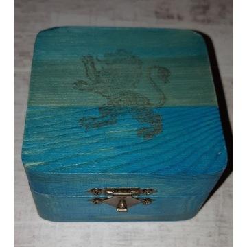 Małe pudełko lew drewniane na biżuterię