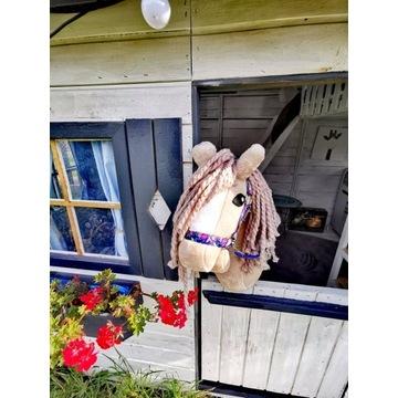 Koń Hobby Horse na kijku + zestaw - Chantelle