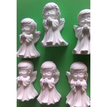 aniołki figurki gipsowe podziękowania Komunia Św,