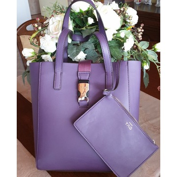 piękna torebka PINKO  schopper modny kolor