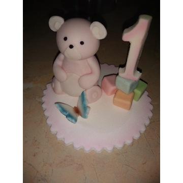Figurka z masy cukrowej na roczek dla dziewczynki