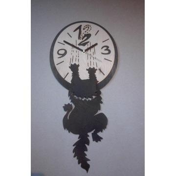 Zegar zjeżdżający kot