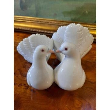 Lladro Figurka Białe Gołębie Para