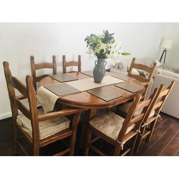 Rozkładany dębowy stół z krzesłami