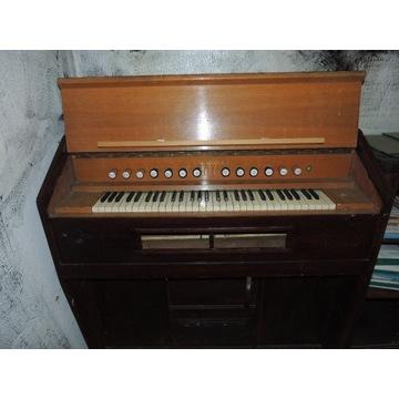 zabytkowe pianino międzywojenne