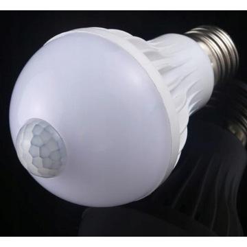 Żarówka LED E27 10W czujnik ruchu LICYTACJA OD 1ZŁ