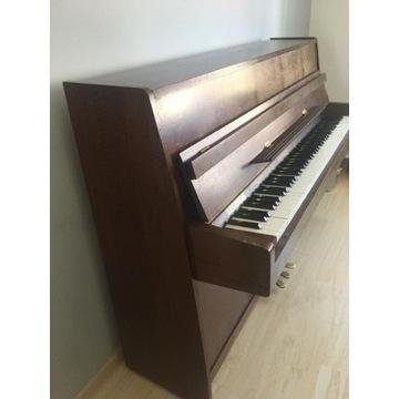 Pianino Legnica w dobrym stanie