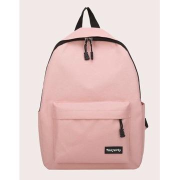 Plecaki szkolne w czterech kolorach