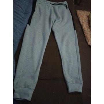 Spodnie męskie dresowe New Yorker, rozmiar M