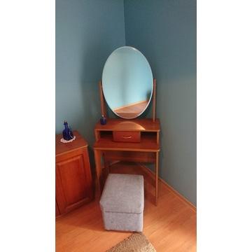 Toaletka z ruchomym lustrem i szufladą