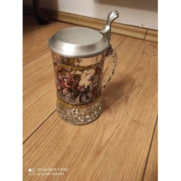 Kufel szklany z pokrywą kalkomania