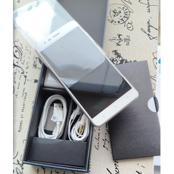 Asus Zenfone 3 ZOOM  ZE553KL 4/64GB srebrny