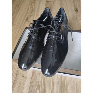 Pantofle weselne lakierowane r. 42