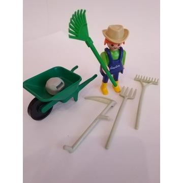 Playmobil rolnik ogrodnik taczka grabie widły