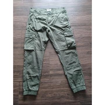 Spodnie bojówki Only & Sons, stan bdb, zielone.