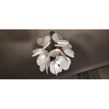 lampa do salonu lub sypialni