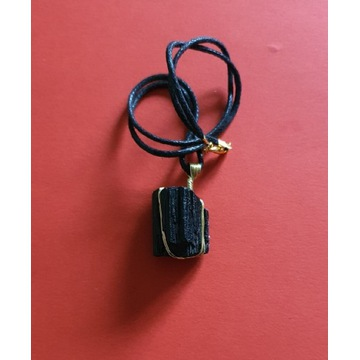 Turmalin czarny handmade.