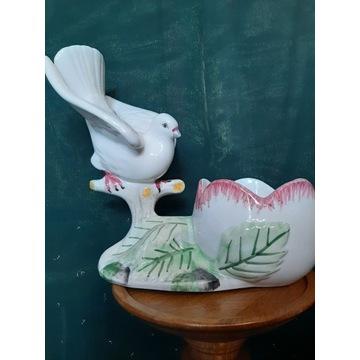 Piękna  porcelanowa doniczka z gołębiem