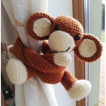 Małpka na firankę, szydełko handmade
