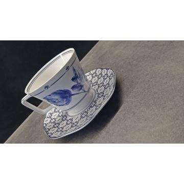 Filiżanka z porcelany ze spodkiem