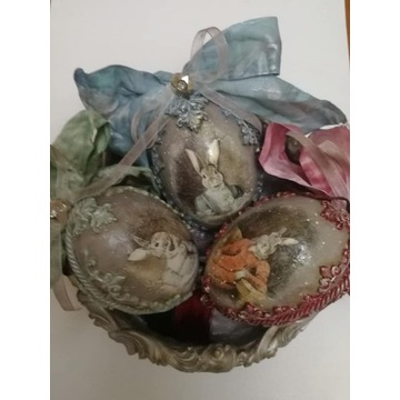 Komplet ozdobnych jajek wielkanocnych