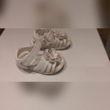 Sandalki dla dziewczynki r.19