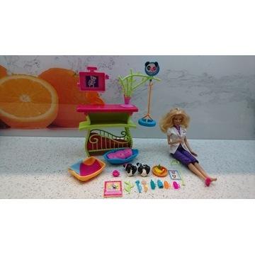 Barbie weterynarz + mebelki + 2 pandy