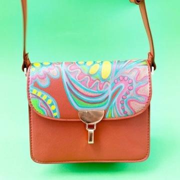 Mała torebka na ramię Mango ręcznie malowany wzór