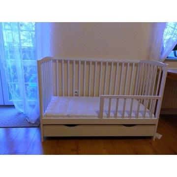 Łóżeczko niemowlęce drewniane z materacem i szufla