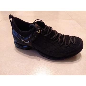 Sprzedam buty trekkingowe firmy Salewa,całe czarne