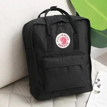 Czarny plecak kanken fjallraven classic 16L