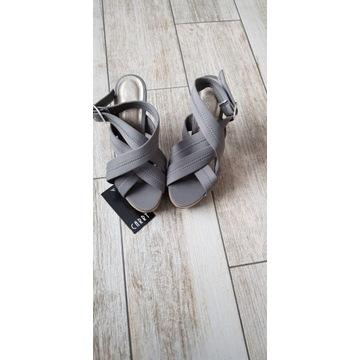 Sandały damskie buty na obcasie Carry nowe