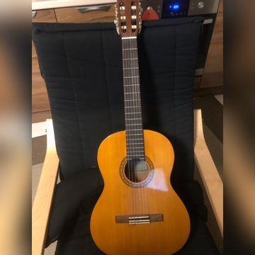 Yamaha CS-40 Gitara akustyczna z futerałem