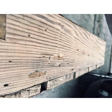 Stara skrzynka drewniana na butelki