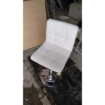 Hoker beżowy - Krzesełko barowe
