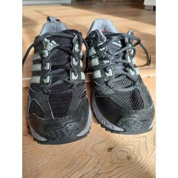 Adidasy, rozmiar 39,5 (metka 40 sa mniejsze), UK7