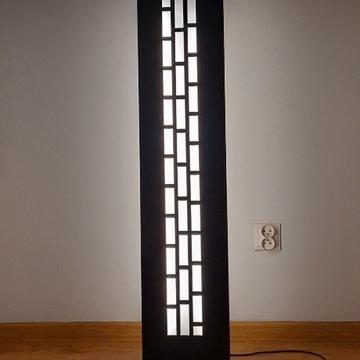 Lampa podłogowa ażurowa z metalu loft