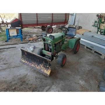 Traktorek ogrodowy john deere 110