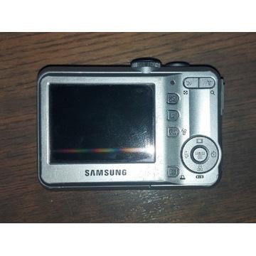 Aparat Samsung S760 uszkodzony.