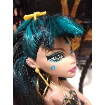 Monster High Cleo De Nile Oaza  z kartonem!