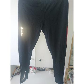 Spodnie do biegania z długimi nogawkami.