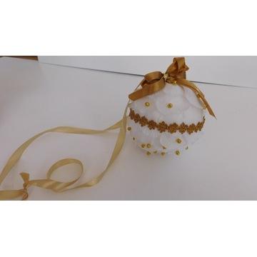 Ozdoba Bombka choinkowa biała złota kokarda