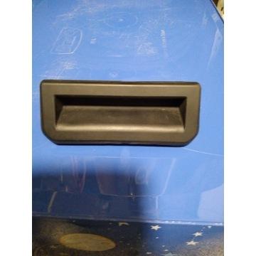 SKODA AUDI VW przycisk klamki klapy 6V0827566