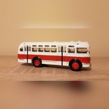 Kultowe autobusy PRL, ZIS 155, skala 1:72