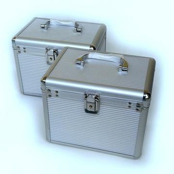 Kuferek aluminiowy srebrny cena za 2 SZT.