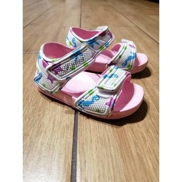 Sandałki sandały dziewczęce gumowe Wojtuś r 20