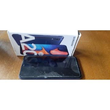 Samsung a20e uszkodzony