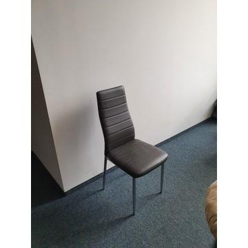 4 krzesła  po 40 zł.