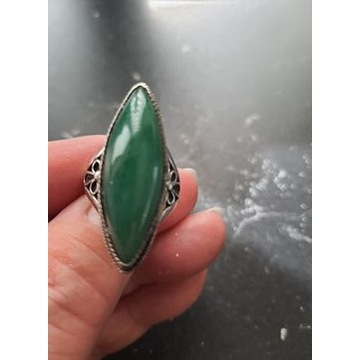 pierścionek srebrny z kamieniem